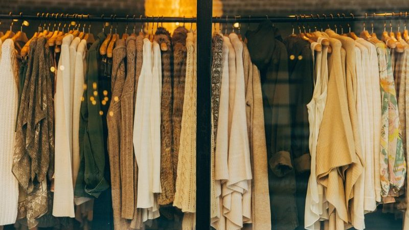 sklep z ubraniami damskimi